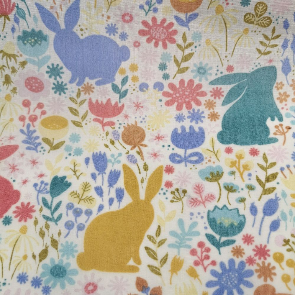 Pretty Rabbit Bunny Silhouette 100/% Cotton Quilting Craft Fabric