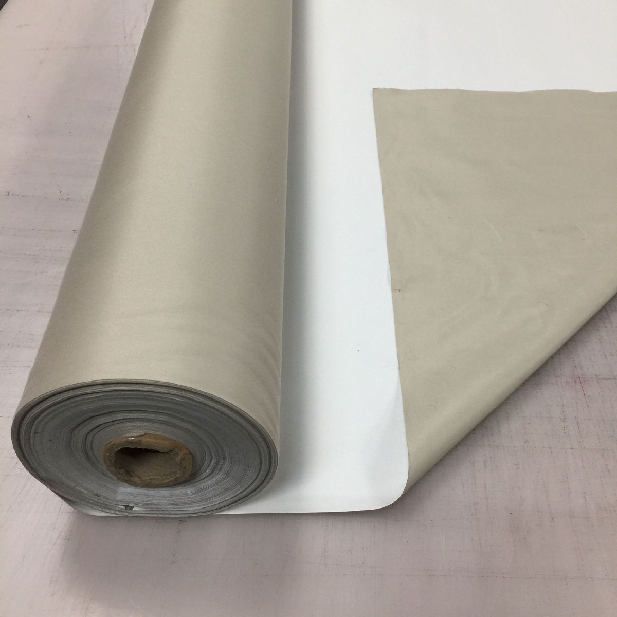 """137cm WIDE Washable 3 Pass Thermal Blackout Curtain LINING FABRIC 54/"""""""
